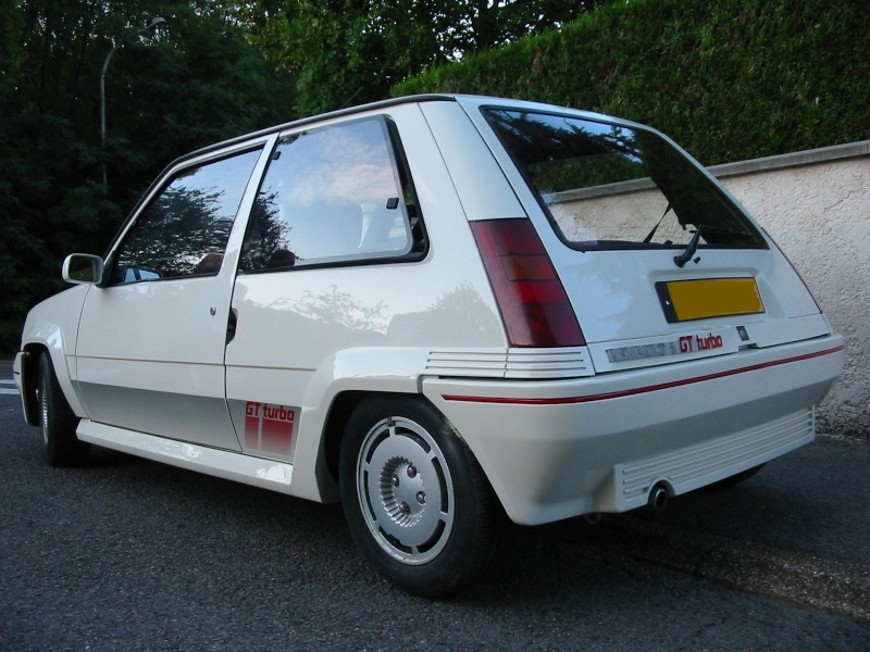 Renault 5 gt turbo de 86 rfection d 39 une super 5 gt for Renault super 5 interieur