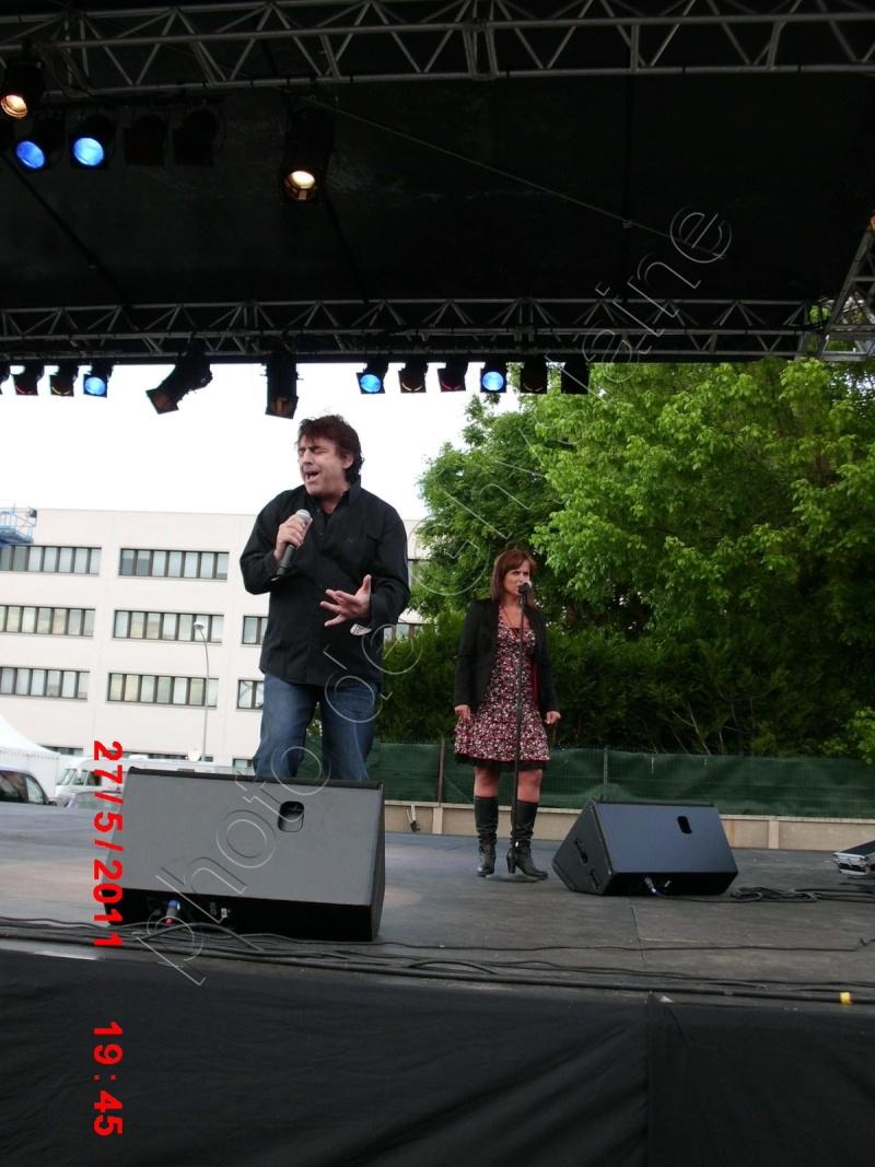 Blog de barzotti83 : Je ne sais plus comment te dire je ne trouve plus les mots ..Alors PARLE-MOI..(paroles de J.Kaplan), Photos de Claude Barzotti à Troyes le 27 mai 2011