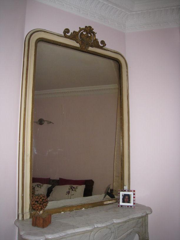 Help chambre rose de ma m re relooker for Miroir dessus de cheminee