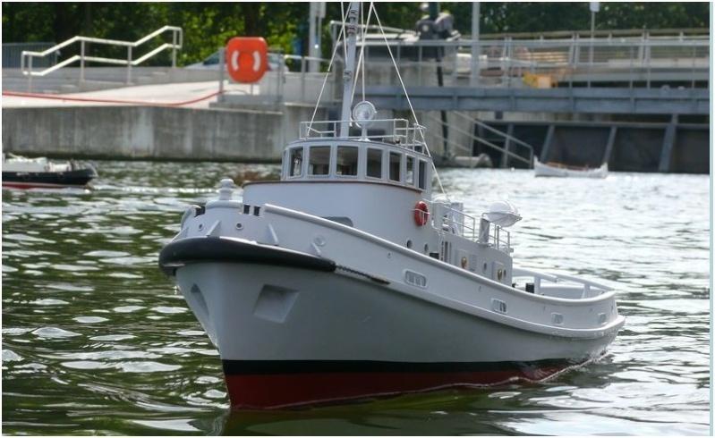 remorqueur valeureux de la marine nationale