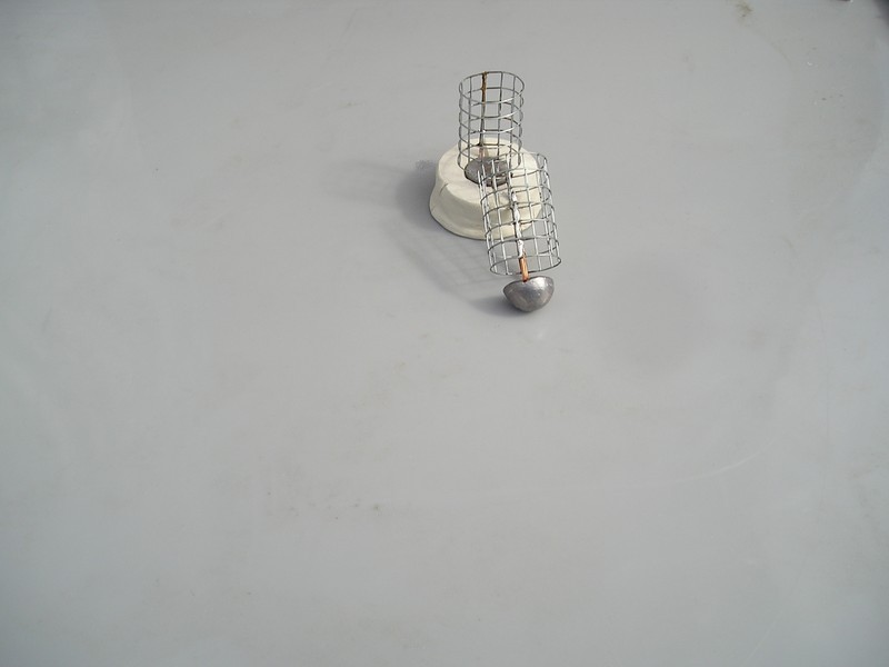http://i26.servimg.com/u/f26/15/26/57/08/cages_10.jpg