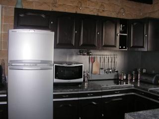 relooker cuisine rustique. repeindre cuisine avant apres repeindre ... - Comment Renover Une Cuisine En Bois